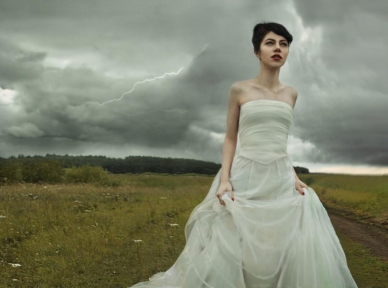 Suknie ślubne bez pleców